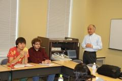 A special lecture given in English by International Exchange Committee Chair Takeda Takumi