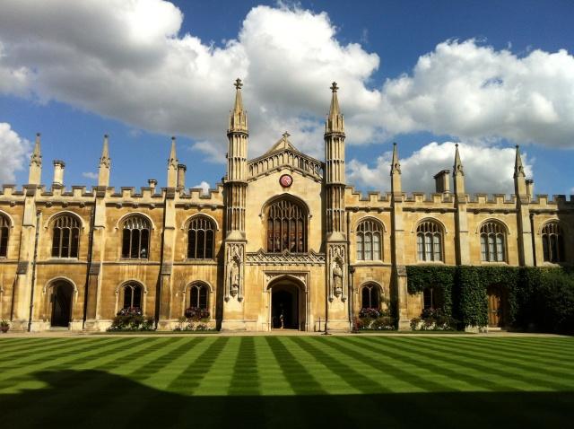 カレンダー カレンダー2011年度 : ケンブリッジ大学夏期法学研修 ...